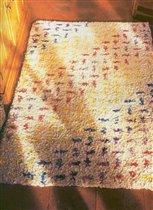 Два варианта вязания ковров:крючком и ковровыми щипцами.  Размещено с помощью приложения.  Я - фотограф.