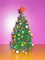Елка из бисера будет украшать ваш дом не только в новогоднюю ночь, но и круглый год, фото, елка, изготовленная из.