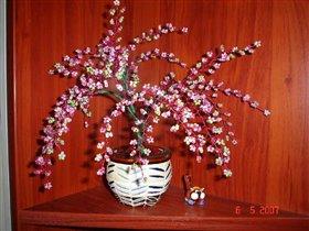 b Сакура из бисера..ствол гипс, акриловые краски...горшочек керамика.