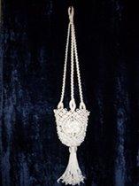 """Подвесное кашпо для цветов  """"макраме """".  Материал: полиэфирный шнур d=3мм.  Дата: 11.02.2011 Теги: Добавил: palaal."""