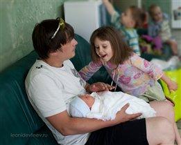 Фотограф на выписку из роддома. leonidevteev.ru