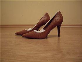 Пристрой Ralph Lauren женские туфли классика 9 р-р (отдам дешевле) и мужская рубашка размер 48-50.