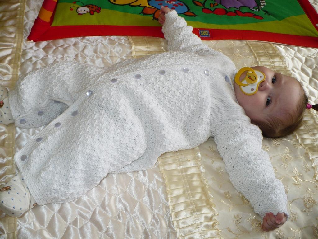 Конверт для новорожденных вязанный своими руками