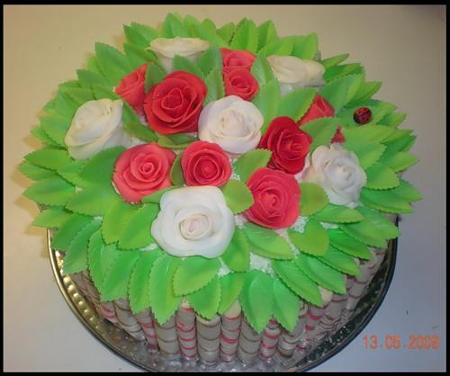 Из мастики с розами фото лучшие торты