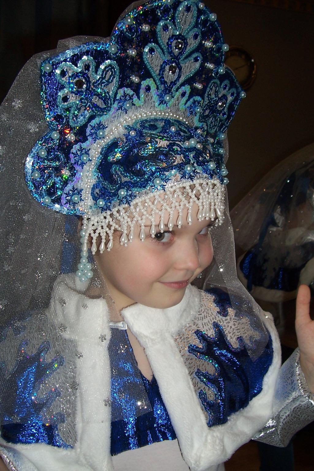 Фото красивых девушек в костюме снегурочки 16 фотография