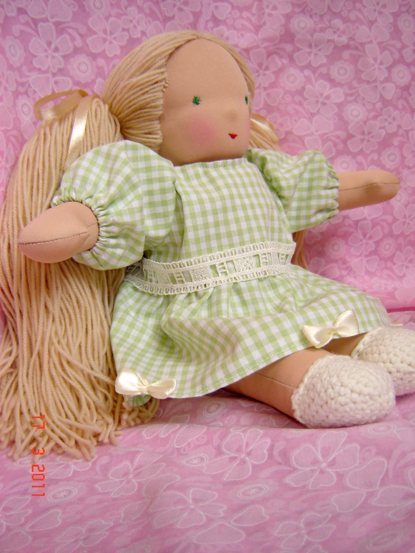 Как сшить платье для куклы своими руками
