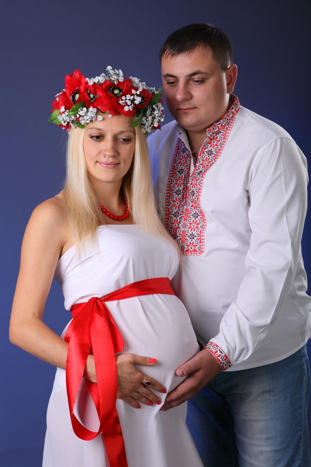 Українська родина-батько, мати й дитина)))))))