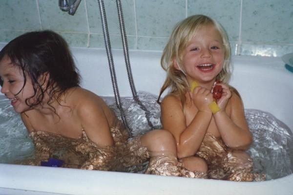 фото детки в ванной