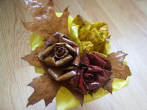 Цветы из дубовых листьев своими руками 46