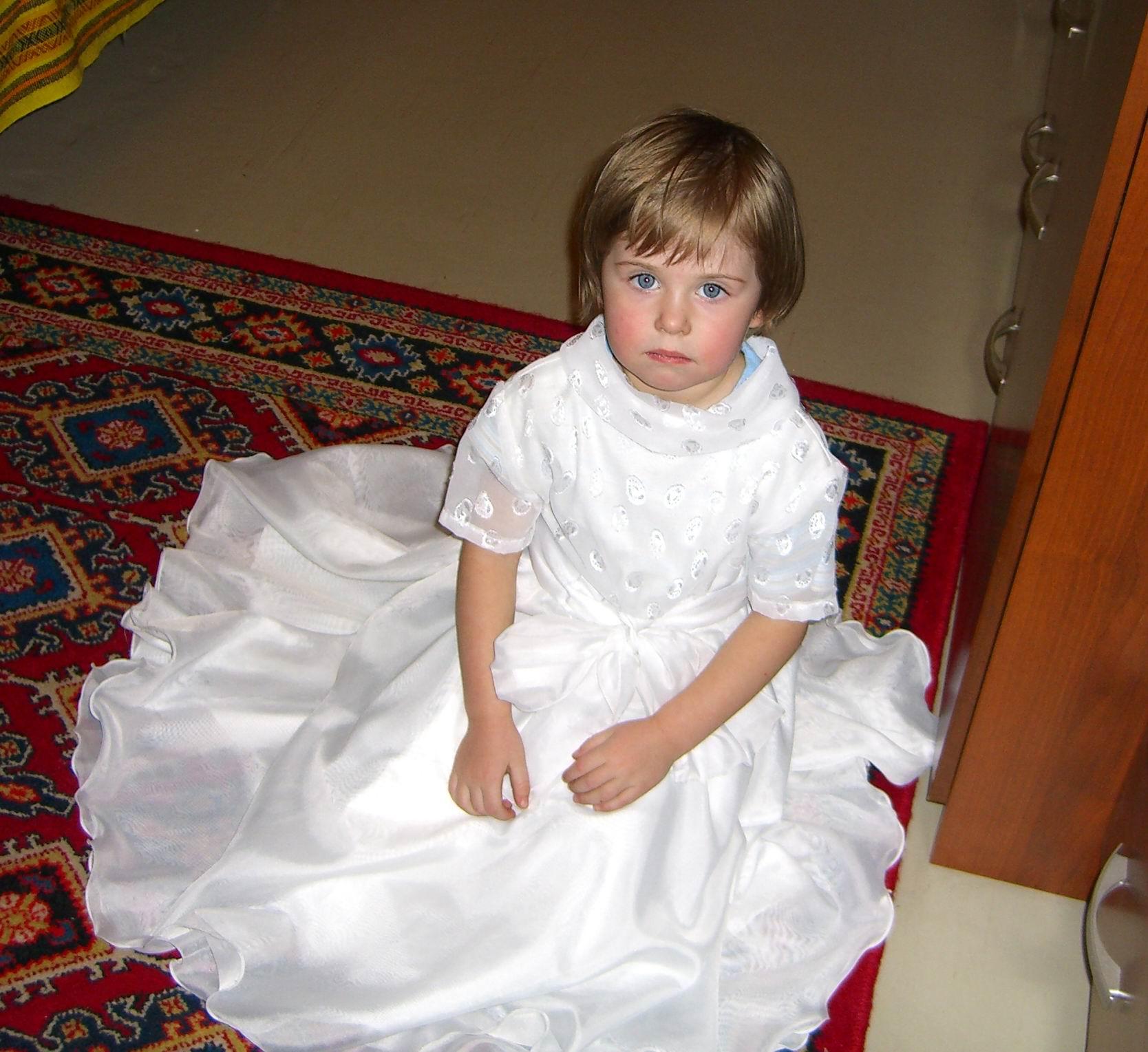 не хочу к принцу, хочу к маме. Маленькая принцесса