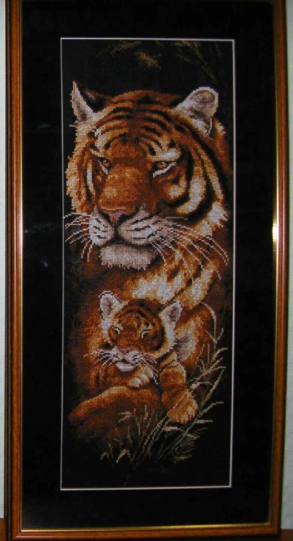 ЗР тигрица с тигренком.