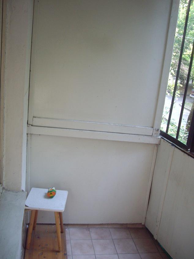 Перегородка на балконе от соседей..