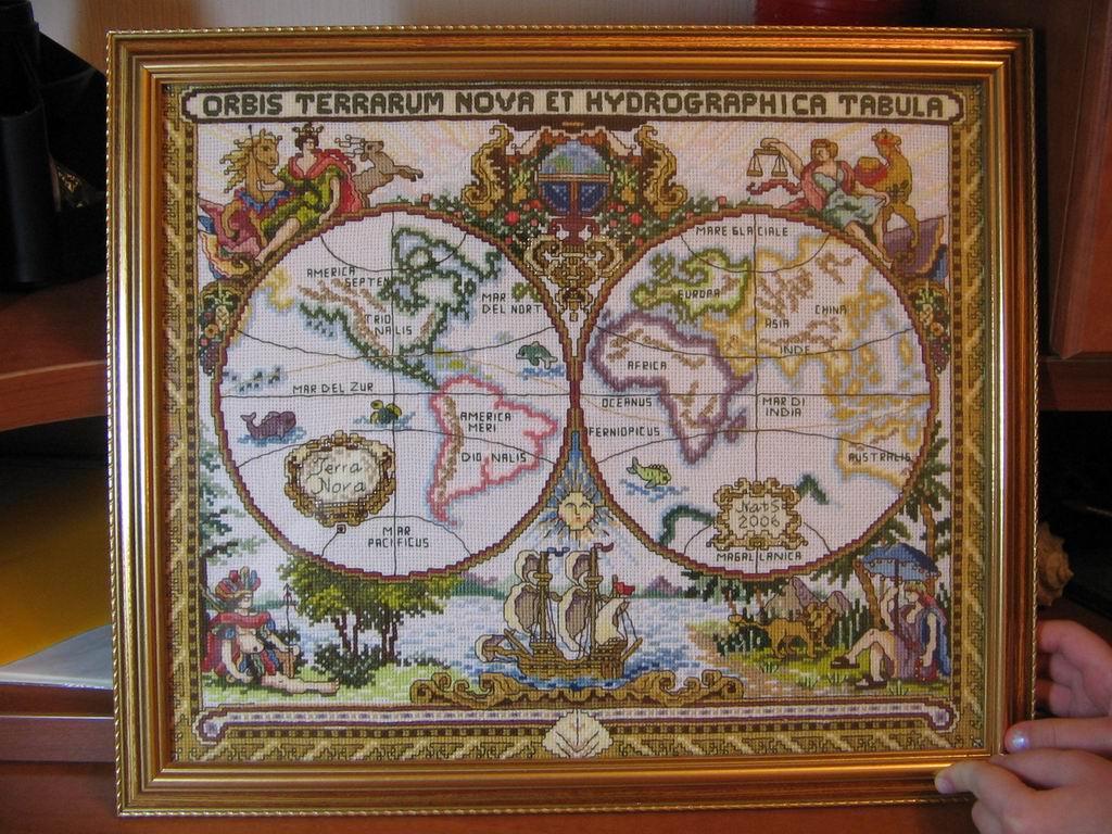 Старая карта мира_оформлено. процесс. старая карта мира. фот.