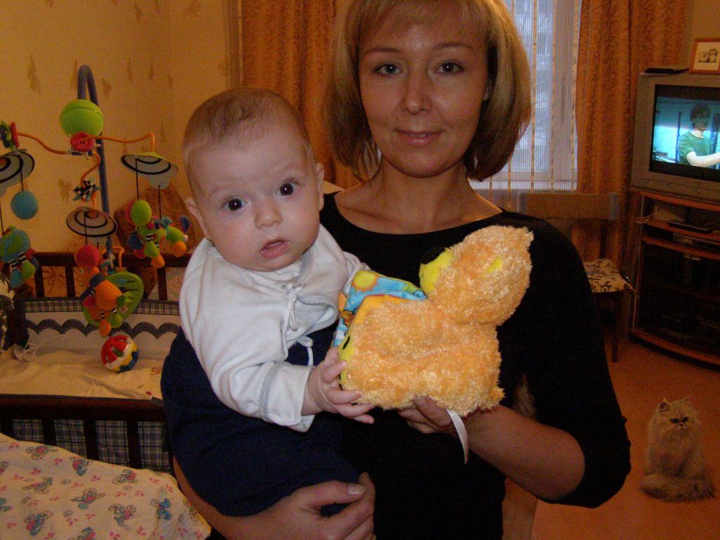 тетка приехала в гости к молодым-дя1
