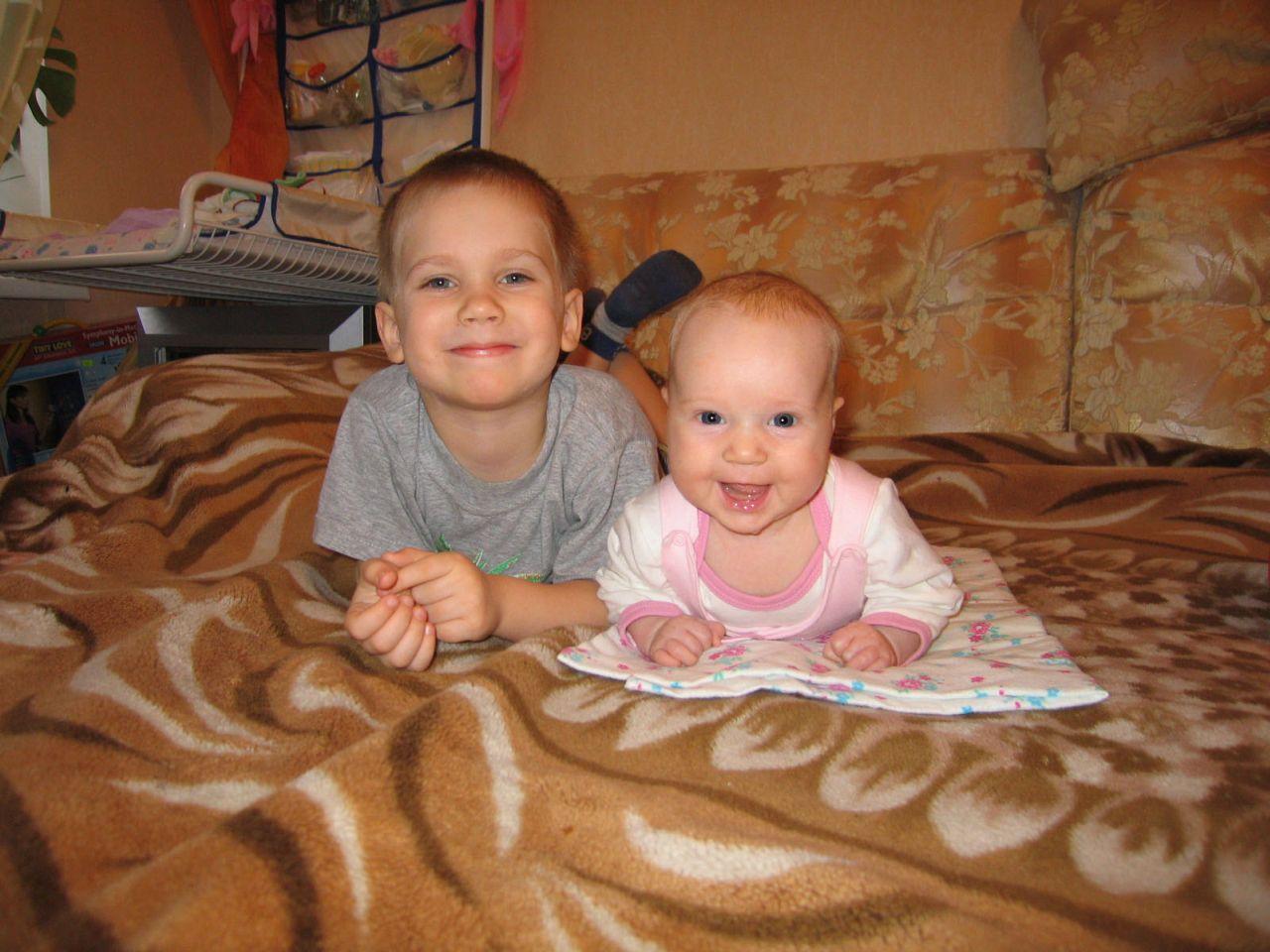 Секс брат с сестрой сисястой 9 фотография
