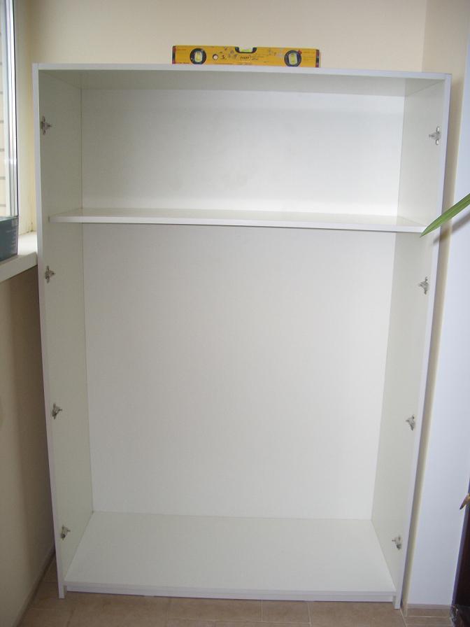 Шкаф на своем законном месте.. как мы делали шкаф на балкон..