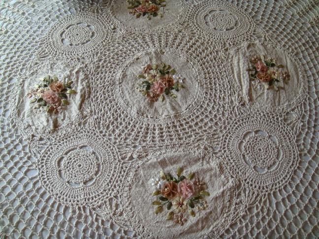 Скатерть льняная вязаная с вышивкой 36