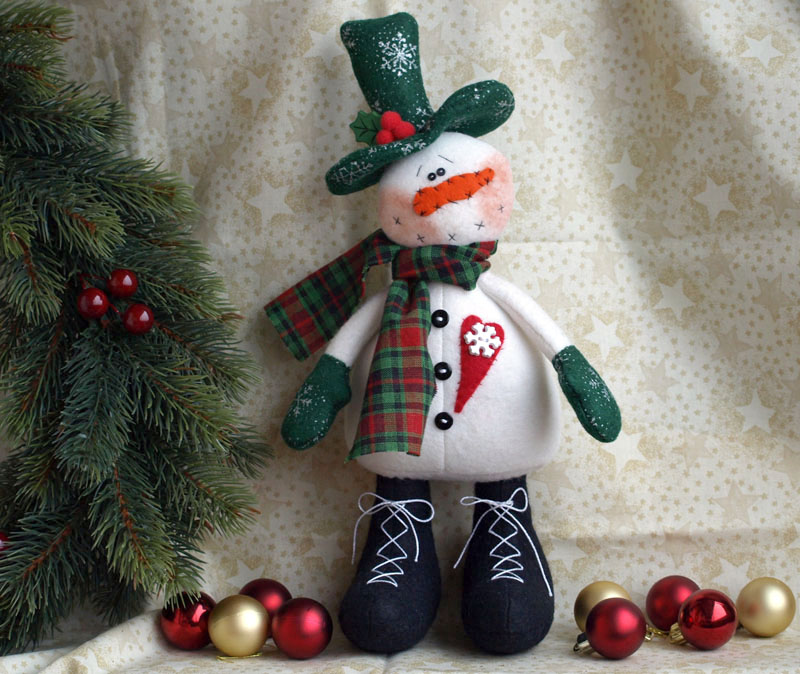 Новогодние объемные игрушки иРостовые кукла сердце своими