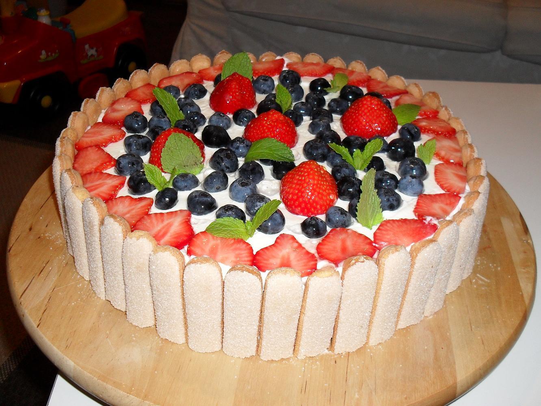 Легкий торт на день рождения в домашних условиях