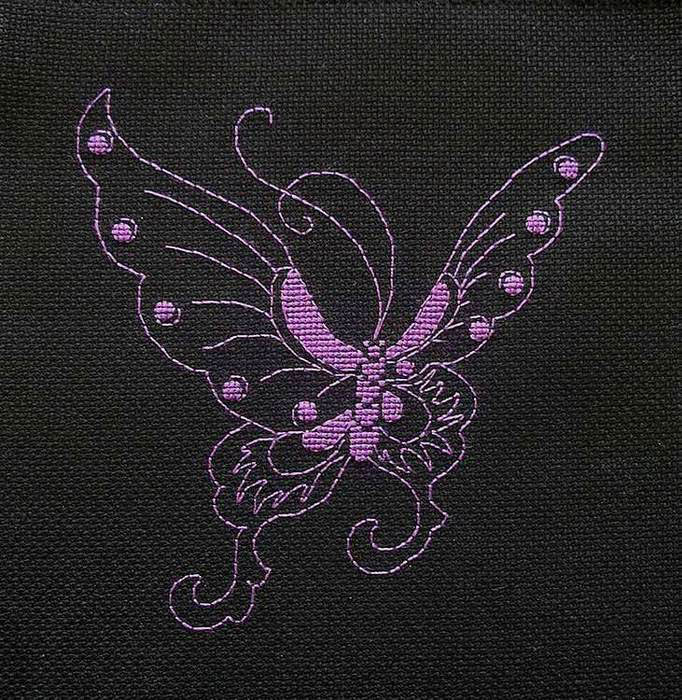 Бабочка монохром