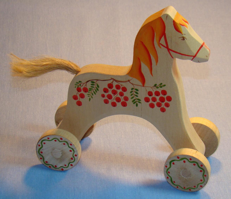 Старинные игрушки из дерева 5 фотография