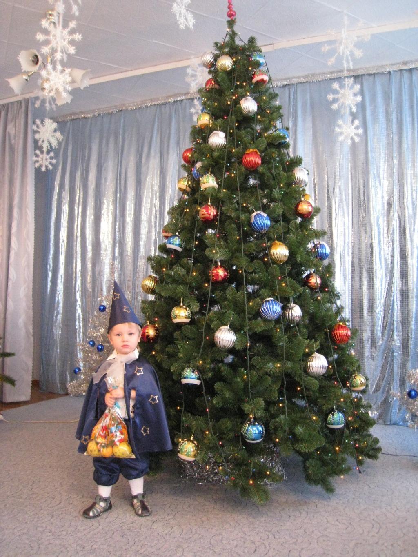 Новогодняя елка в садике