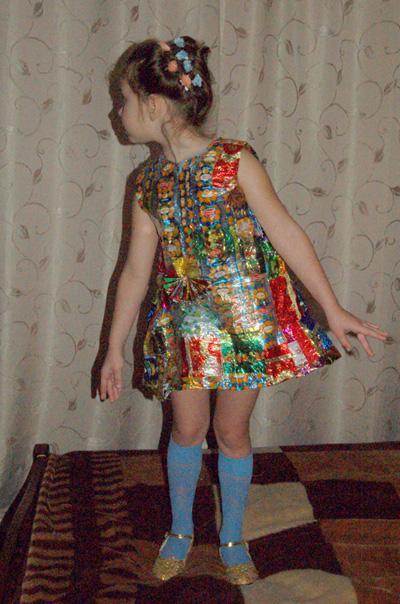 Фото платье из фантиков
