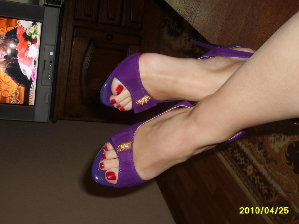 Женские ножки в босоножках порно фото фото 410-775