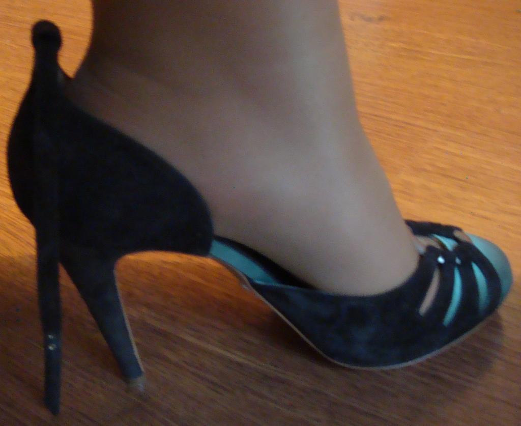 Как сделать обувь больше на один размер 128