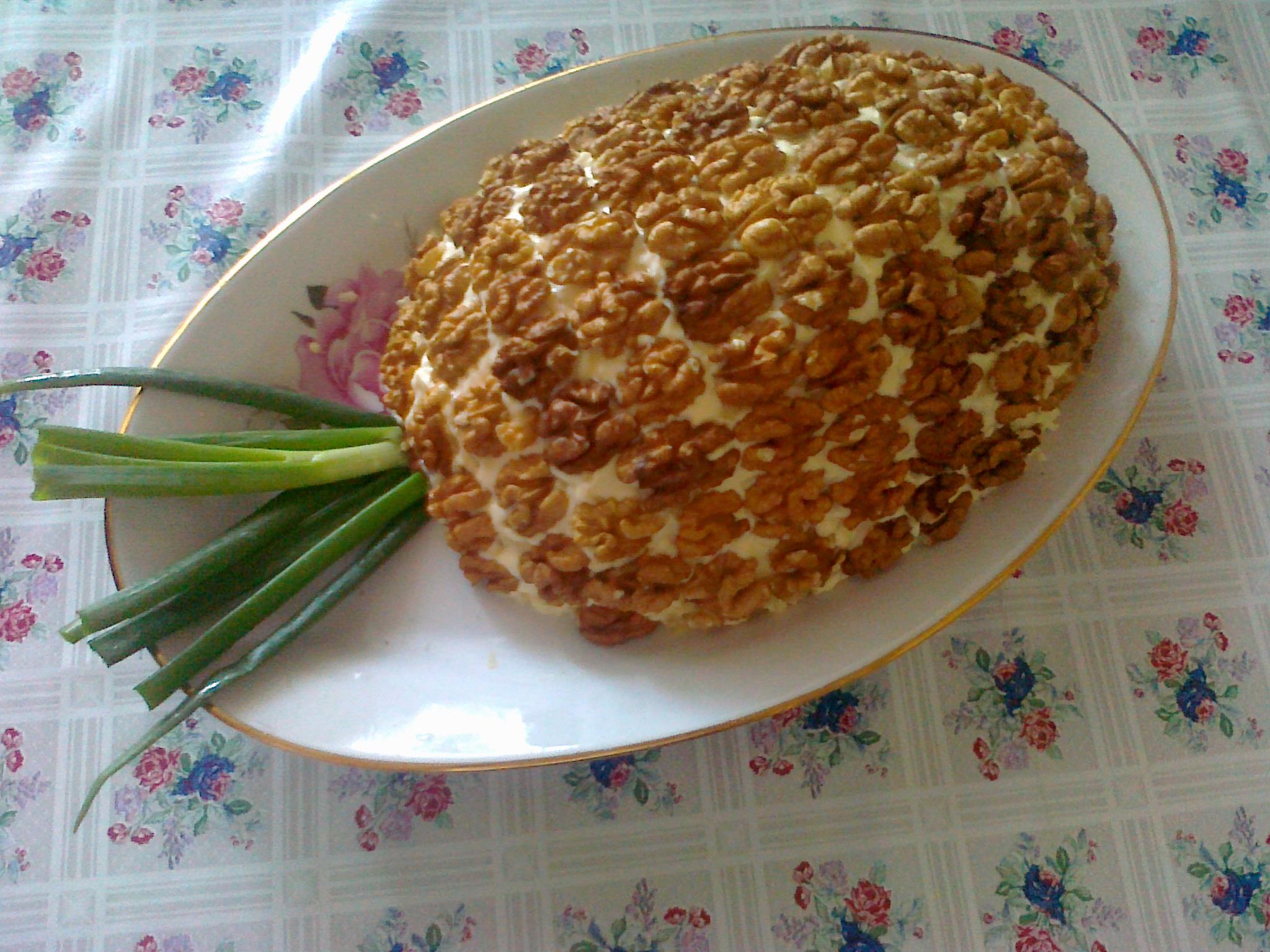 Салат с курицей и ананасом грецким орехом рецепт