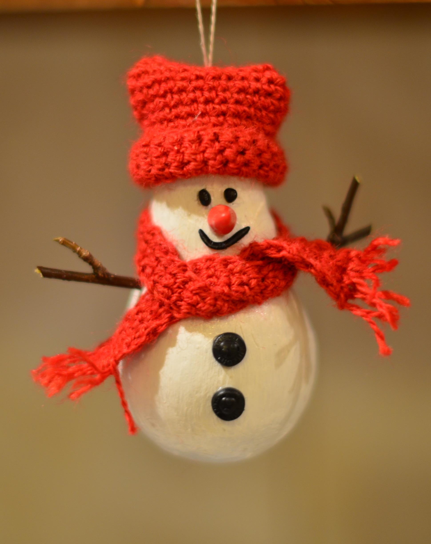 Новогодние снеговики из лампочек своими руками