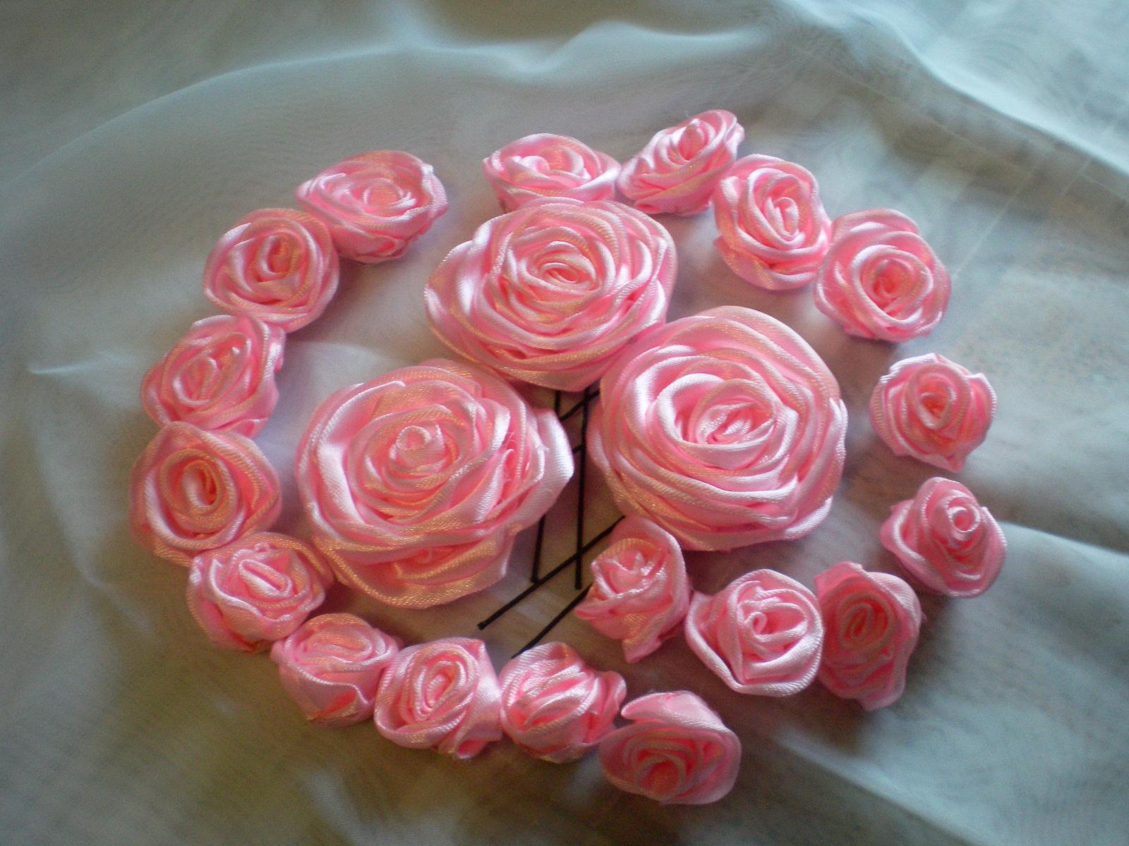 Цветы из атласных лент на шпильку