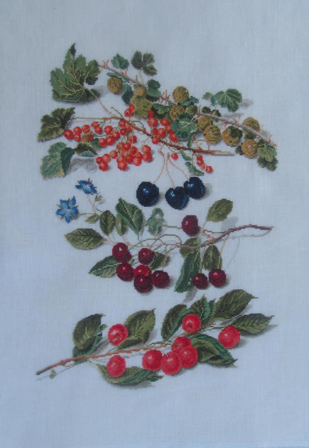 Вышивка крестом набор с ягодами