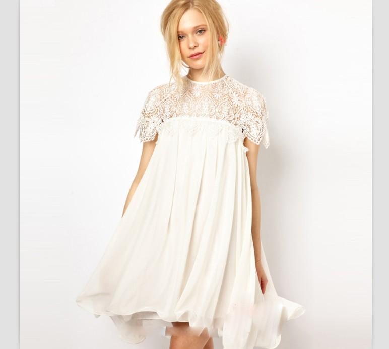 Платье из кружева свободного кроя