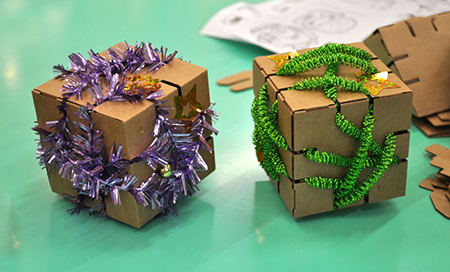 Новогодние игрушки из картона Йохо