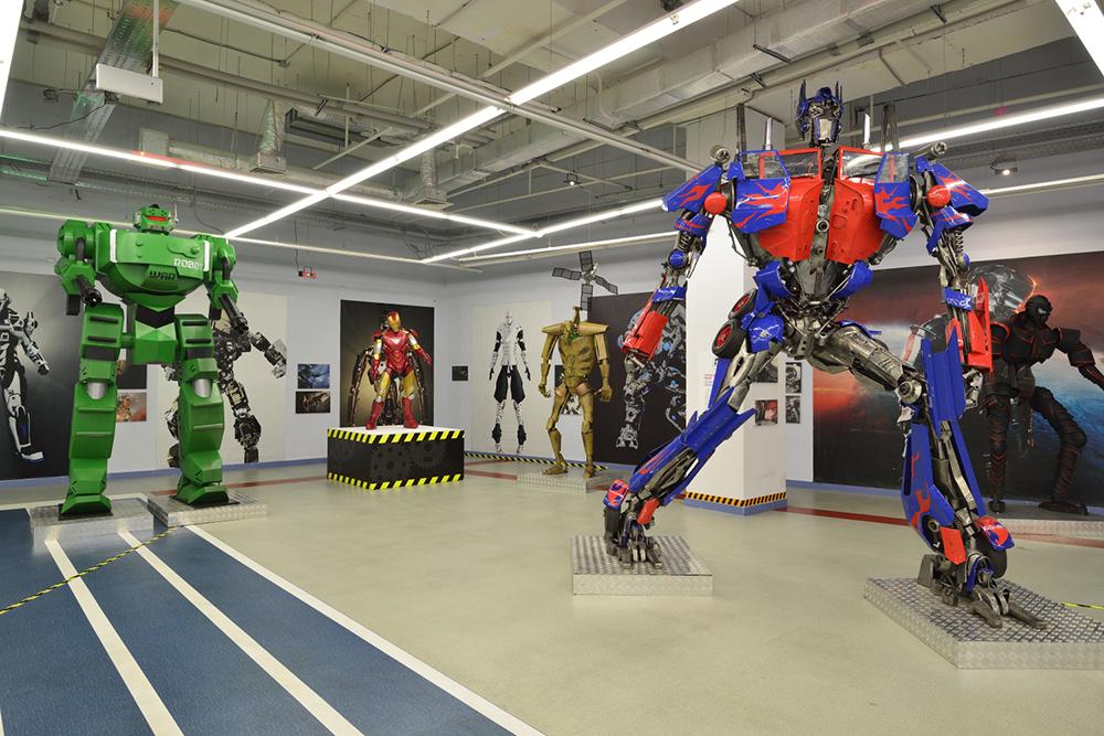 Выставка роботов и трансформеров