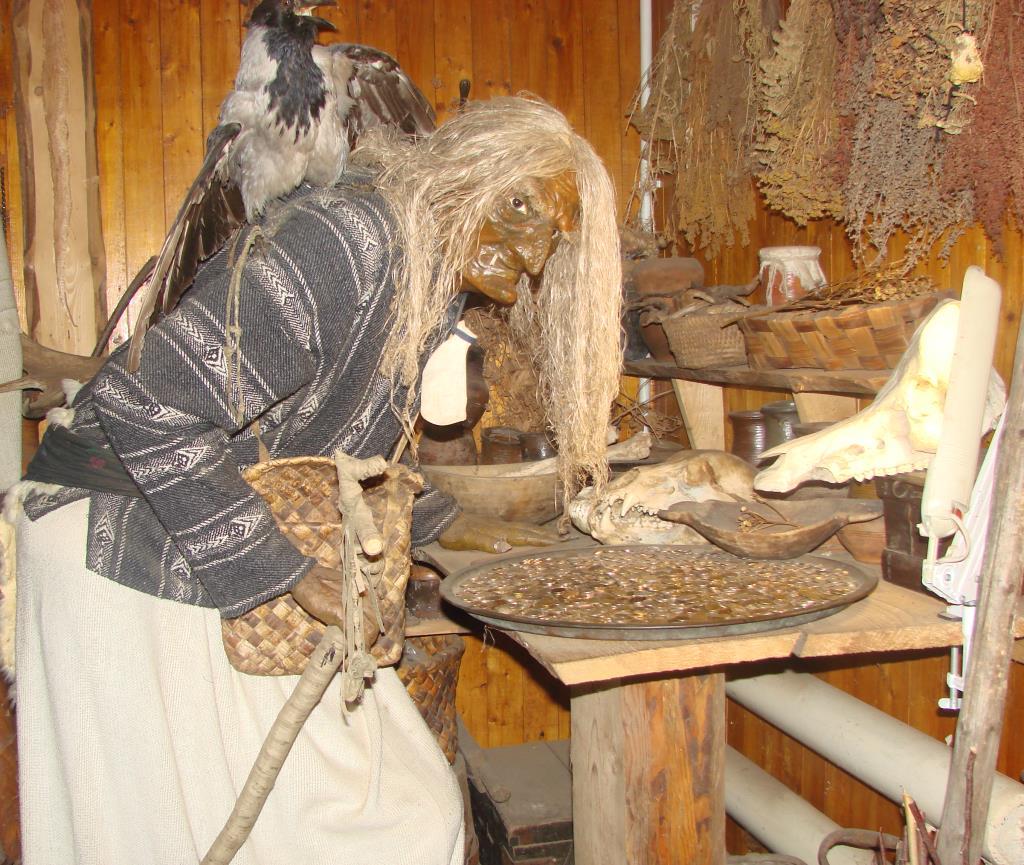 'Колдунья'- музей мифов и суеверий . г. Углич. Блиц: музейный экспонат