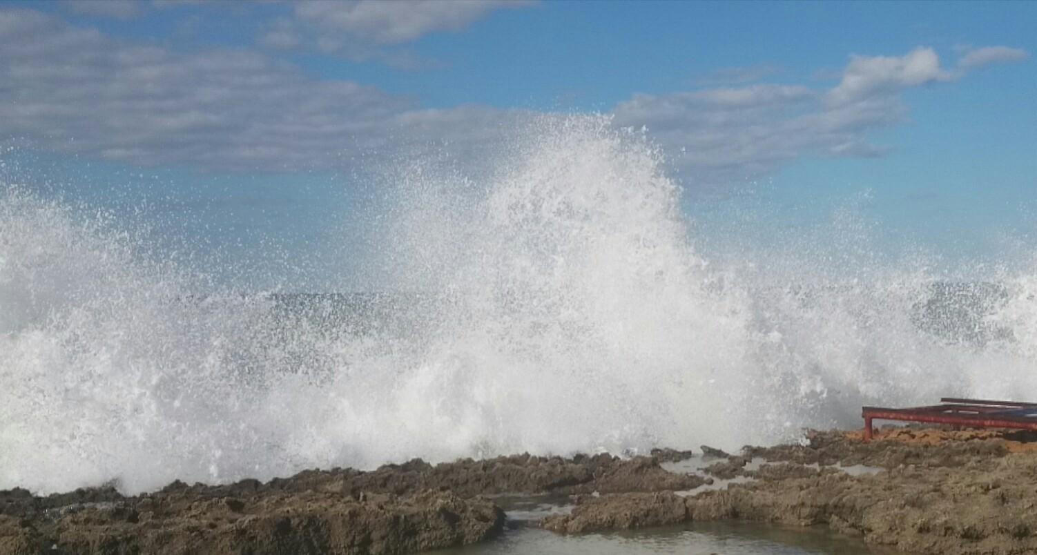Море волнуется раз, море волнуется два..Турция . Блиц: брызги