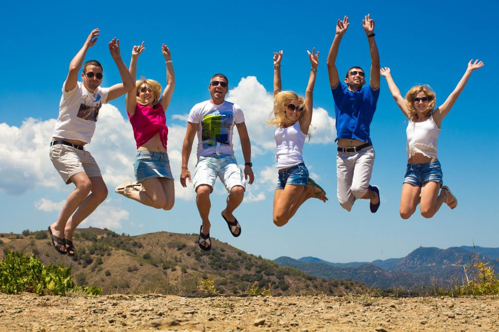 Веселые путешественники.... Привет из отпуска!