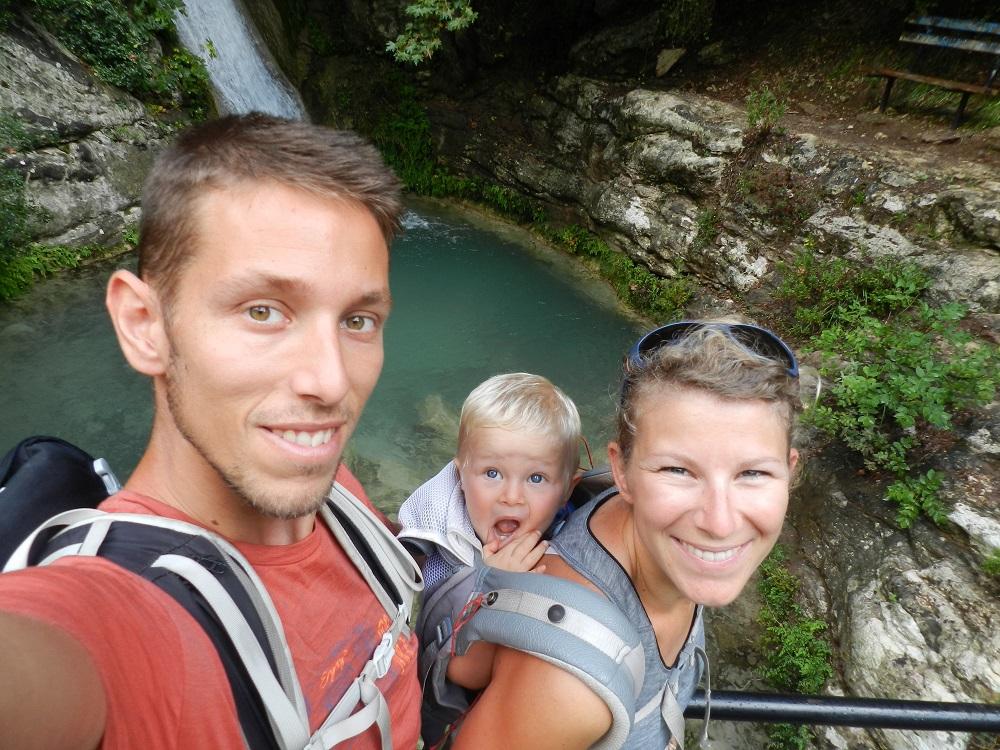 Семья из Франции с двухлетним ребенком путешествует вокруг света