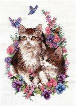 Котята и бабочки