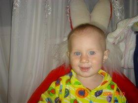Катюша на кресле-зайце