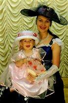 Принцесса Элизабет на руках у Королевы Матери:)