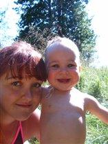Это мы с сестрёнкой на пикнике!!!