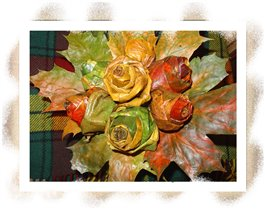 Букет роз из кленовых листьев))