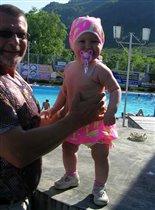 Внучка с дедом