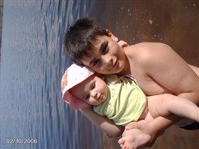 Детки на речке