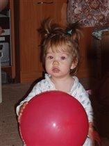 девочка с шаром... :)
