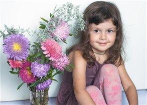 Лиза в цветах