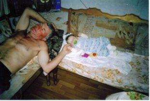 Сладкий сон на кухне с дедом